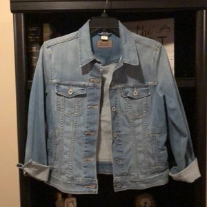 Levi's Light Denim Jacket 😁